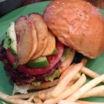 アメリカンダイナーのハンバーガー